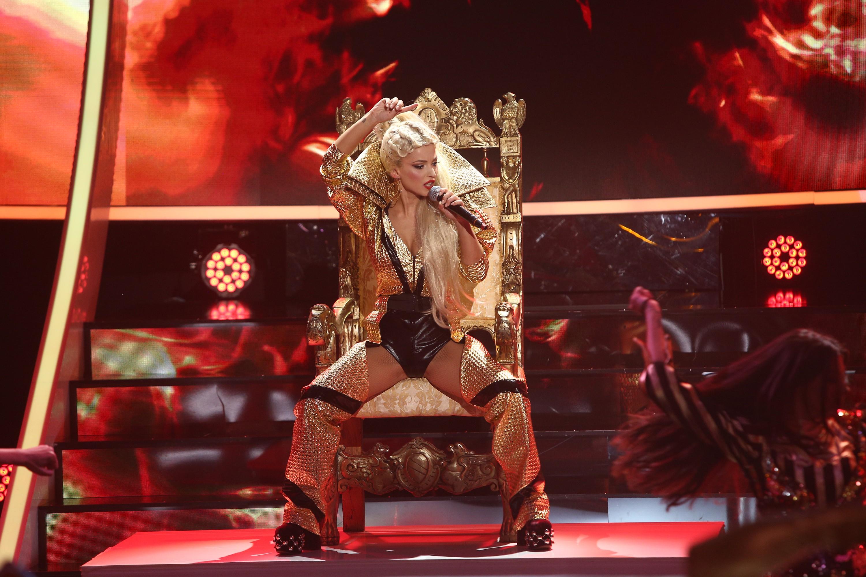 """AMI se transformă în Christina Aguilera - """"Dirrty """", la Te cunosc de undeva!"""