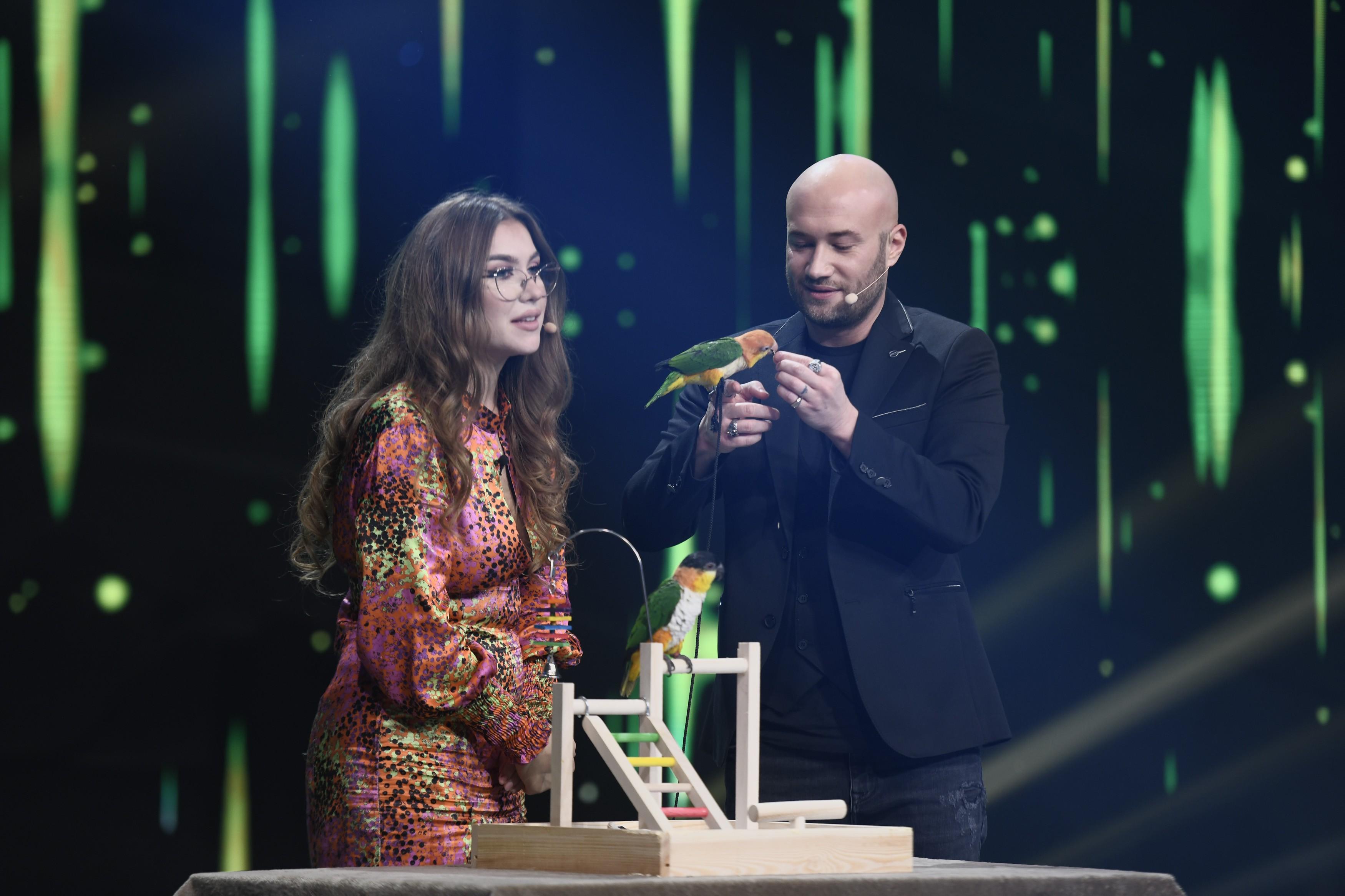 """iUmor 2020, Semifinala. Bianca Sasu i-a găsit pereche papagalului Nuc. Bendeac: """"Când mai rămâne o sămânță, ne putem lupta și noi"""""""