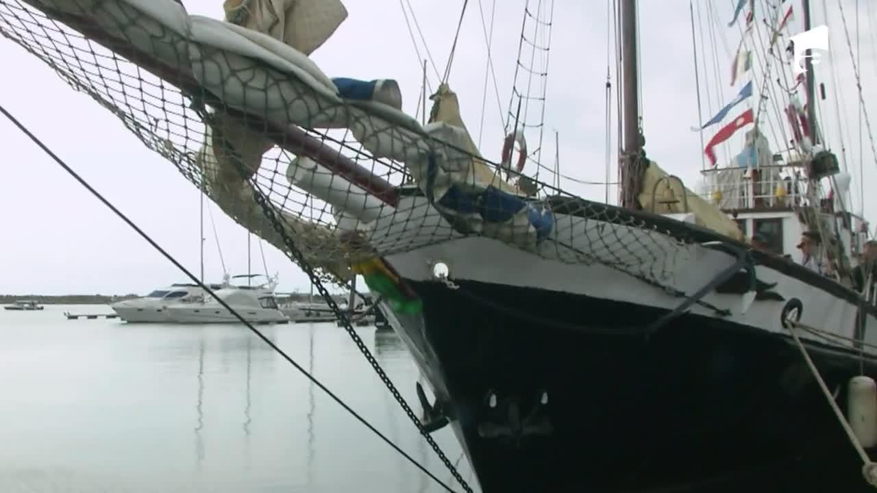 Nea Mărin și Liviu Vârciu fac promovare pentru circul Bellucci în Portul Mangalia