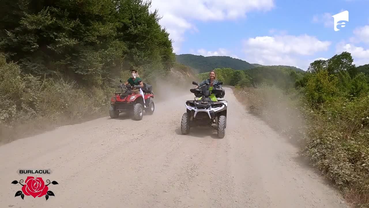 Vanessa si Alexandra, adrenalină pe patru roți alături de burlacul Andi