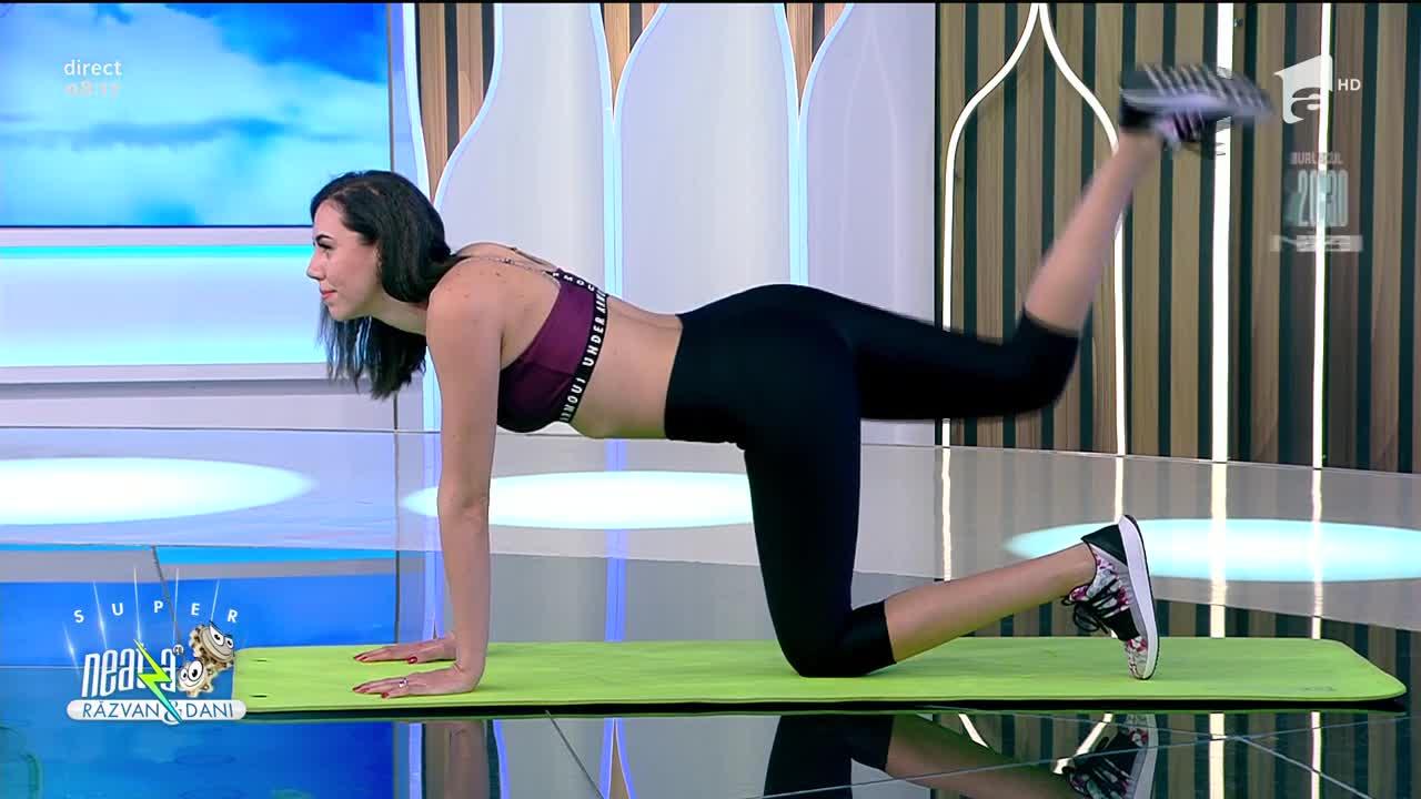 Exerciții pentru coapse și fesieri care se pot face și acasă. Fitness cu Diana Stejereanu