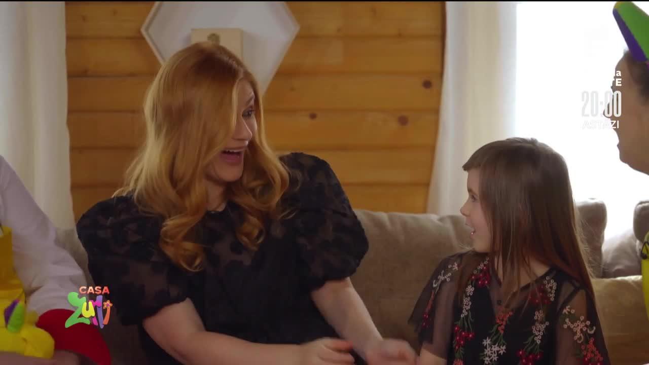 Actrița Anca Androne și fetița sa, vizită în Casa Zurli