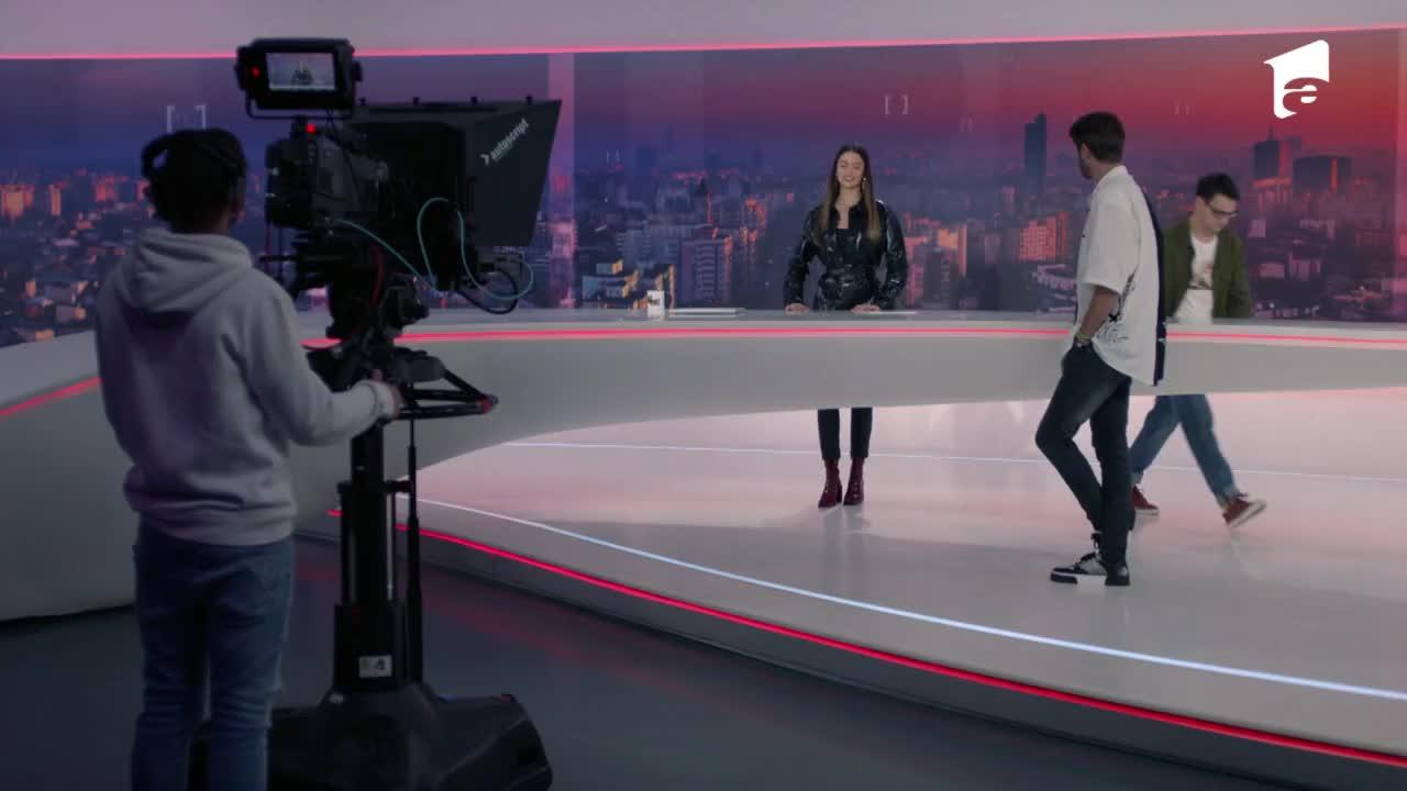 Adela, episodul 26. Andreea dă o probă de prezentatoare la televiziune, dar se face de rușine în fața tuturor!