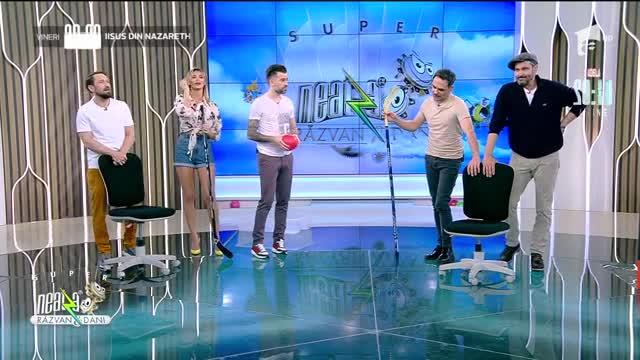 Răzvan și Dani joacă hochei în platoul de la Neatza: Băi, fără glume de liceu!