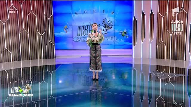 Mihaela Gurău cântă piesa Asta-i hora din Moldova, la Neatza cu Răzvan și Dani