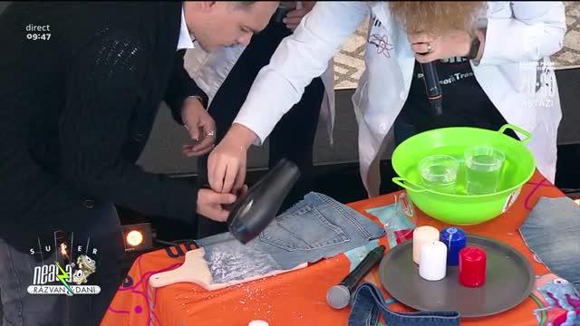 Cum facem o pereche de blugi rezistentă la apă
