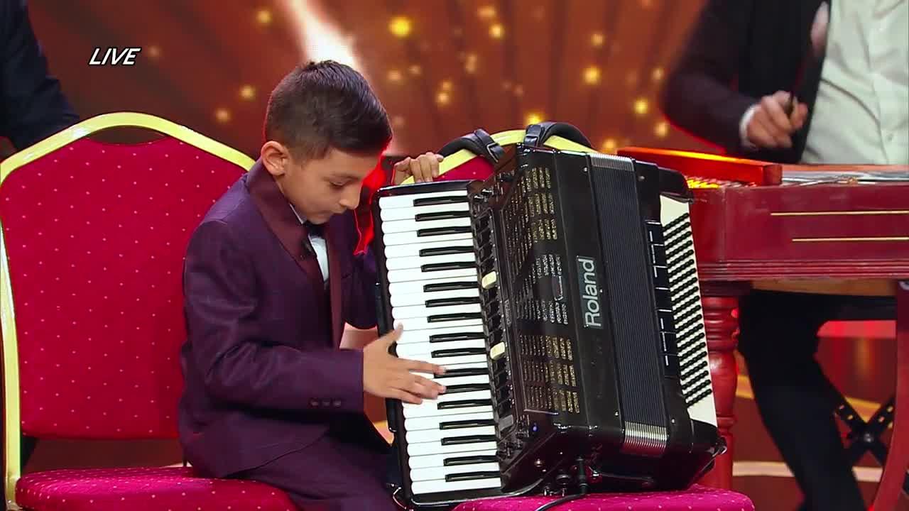 Next Star - Sezonul 10: Diego Gruia - Cântă la acordeon