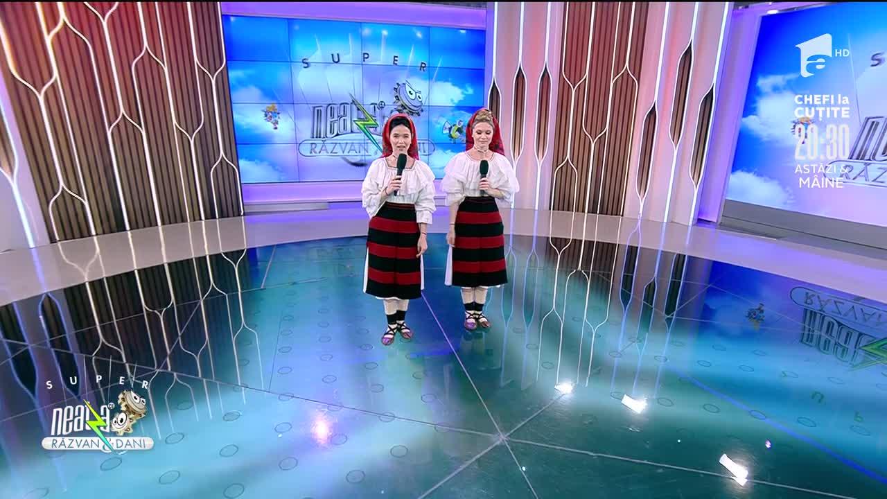 """Suzana și Daciana Vlad cântă piesa """"Geminile-am fo și-om si"""""""