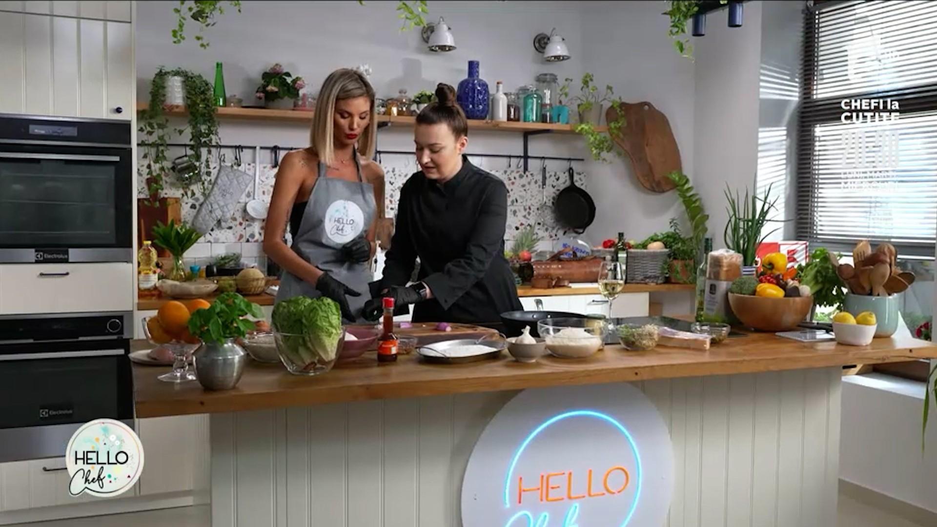 Roxana Blenche şi Ramona Olaru fac echipă în bucătărie