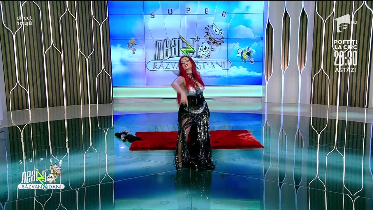 Akara Dianne, număr spectaculos de acrobație la Super Neatza!