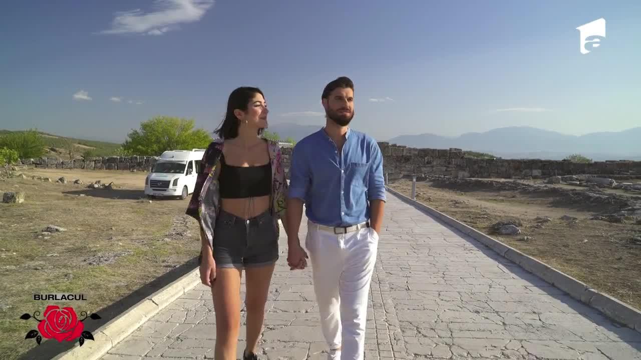 Întâlnire cu multă adrenalină! Melissa și Andi sar cu parapanta, în Turcia