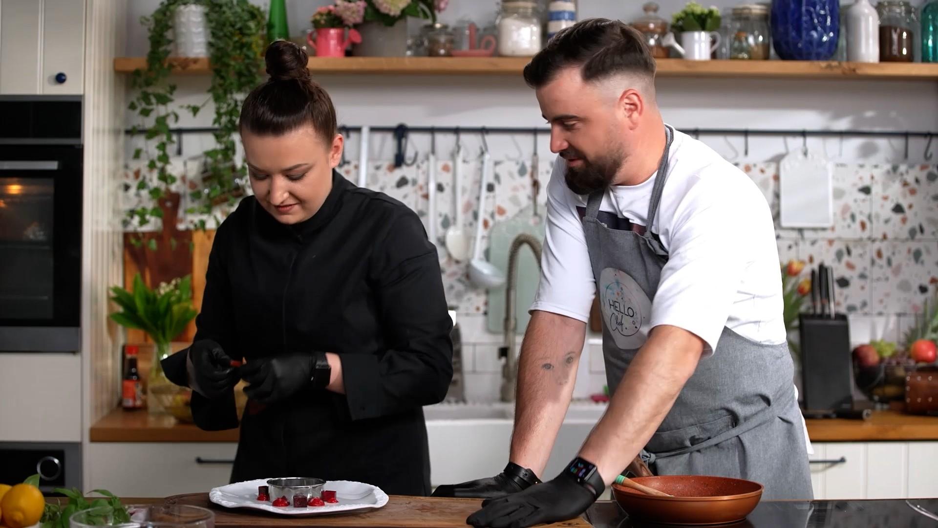 Roxana Blenche și Cătălin Rizea gătesc piept de rață, la Hello Chef