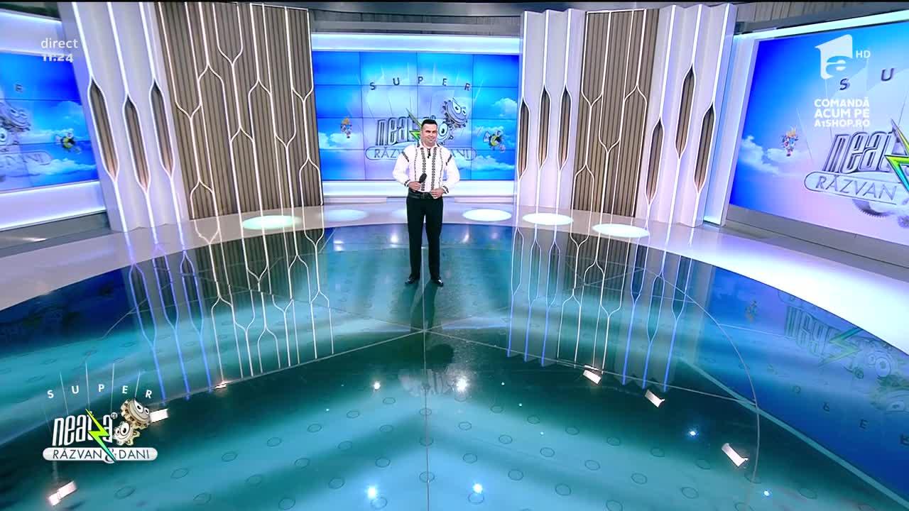 Super Neatza, 14 iulie 2021. Răzvan Pop cântă piesa Ceteră, lemnuț cu dor