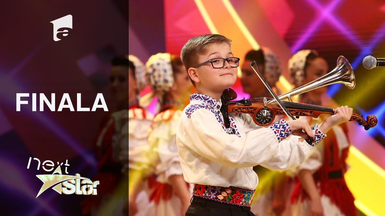 Finala Next Star - Sezonul 10: Alex Lucaciu interpretează muzică populară la vioară cu goarnă