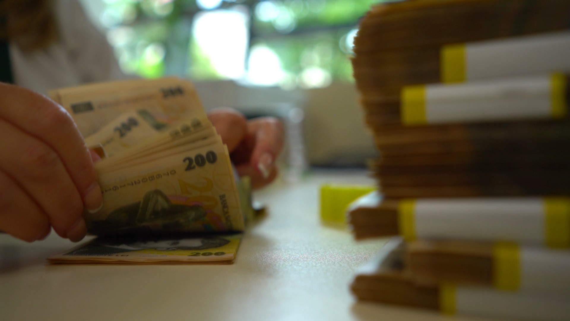 """Româniiar putea primiînplus138 de lei. Ministrul Muncii vede creşterea salariului minim pe economie ca pe o """"majorare consistentă"""""""