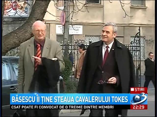 Băsescu îi ţine steaua cavalerului Laszlo Tokes