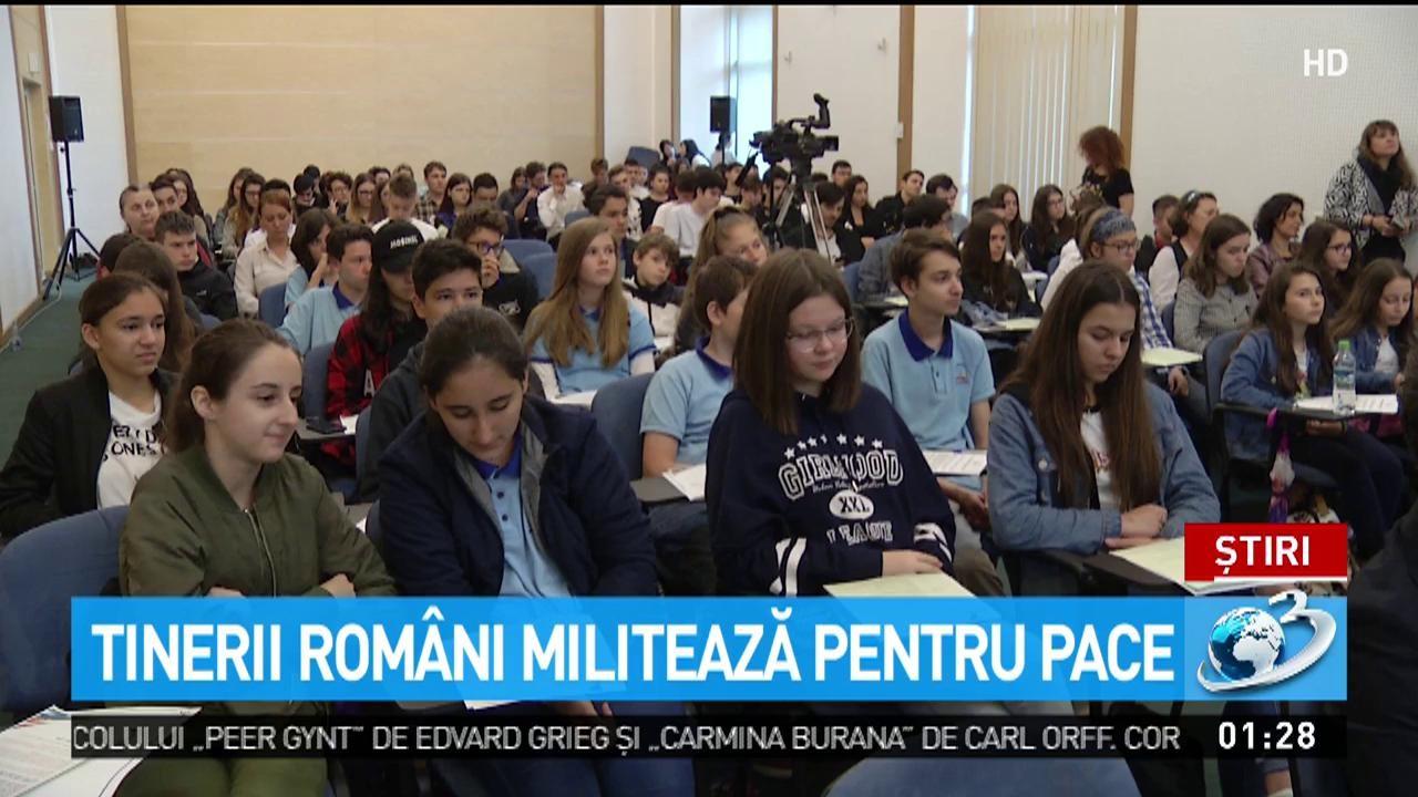 Tinerii din România militează pentru pace