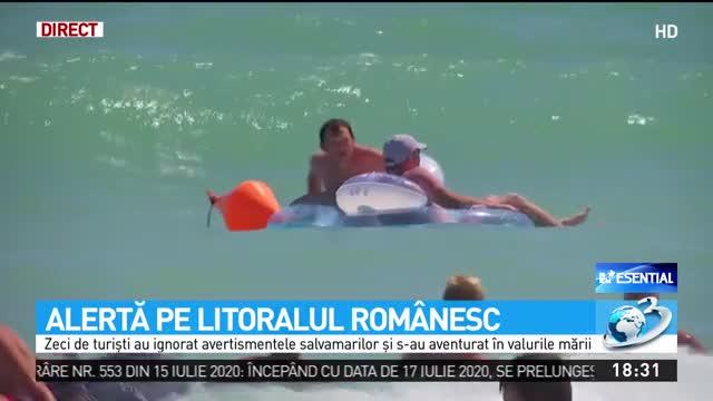 """Pericol uriaș pe litoralul românesc! Apelul salvamarilor către turişti: """"Nu intraţi în apă pe steag roşu!"""""""
