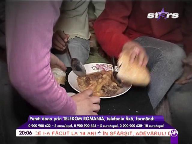 Mamă fără suflet! Patru fete au fost lăsate plângând în faţa porţii