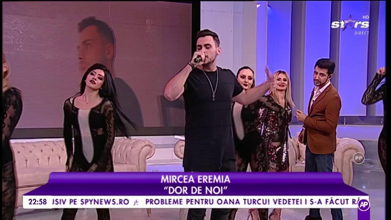 """Mircea Eremia interpretează, în platoul """"Cool Sunday Nights"""" piesa """"Dor de noi"""""""