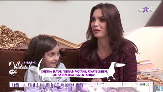 """Cristina Spătar: """"Este un motănel foarte deștept, știe să închidă ușa cu lăbuța"""""""