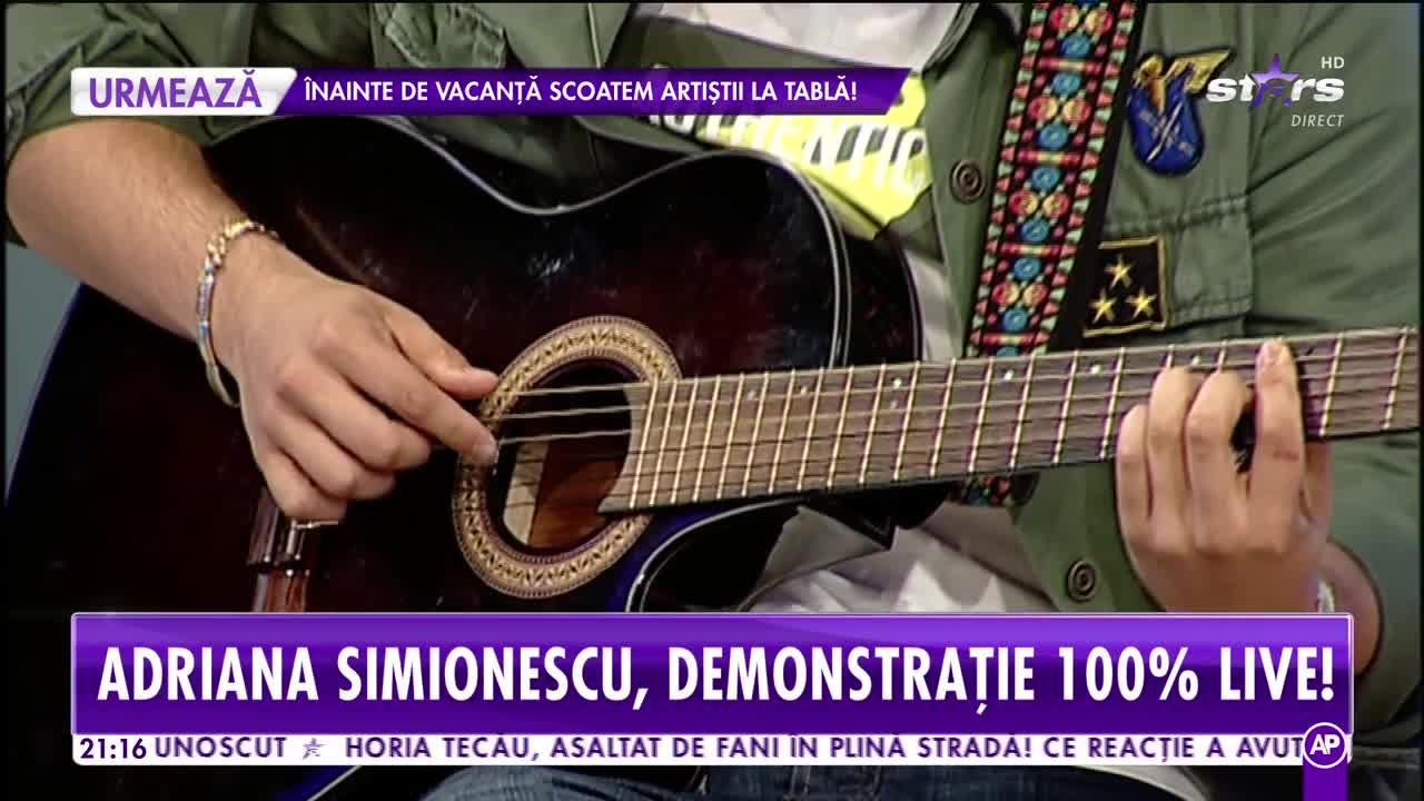 Talentul îi curge prin vene! Adriana Simionescu cântă live în platoul Showbiz Report