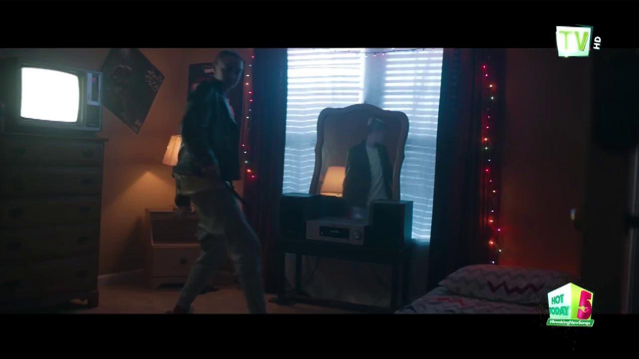 A Boogie Wit Da Hoodie s-a declarat fanul lui Michael Jackson și a lansat piesa Look Back At It
